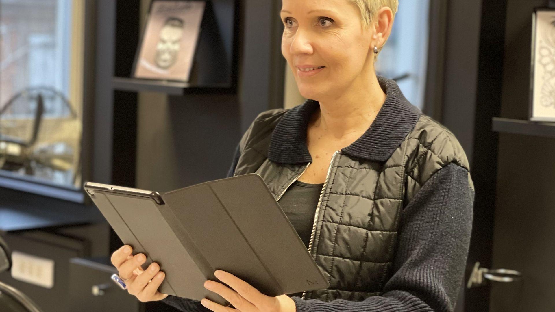 Virginie Gallardo, directrice de l'école de coiffure Provélite Académie